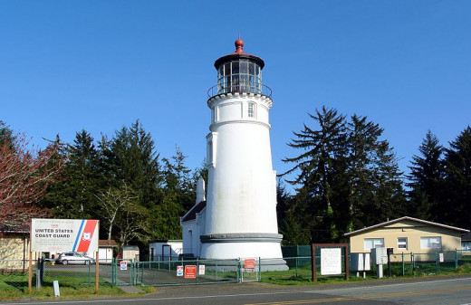 At the mouth of Winchester Bay you will find the Umpqua River lighthouse. It was built using the same plans as the Heceta head lighthouse and was first put into operation in 1894