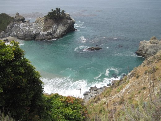 Other side of the cove can be seen clearly here.