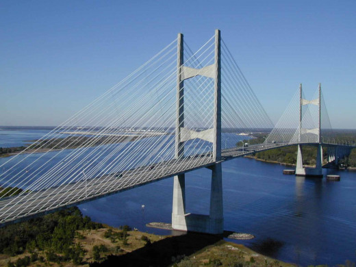 The Napoleon Bonaparte Broward Bridge.or the Dames Point bridge as it is better known as, is an eaample of parallel cableing. The bridge is located in Jacksonville, Florida