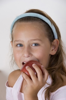 Do your kids devour apples fresh from the tree, or do they only taste apples in juices and pies?