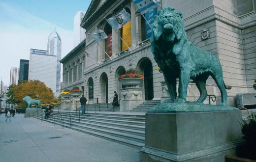Bronze lions at the Michigan Avenue entrance of the Art Institute of Chicago.