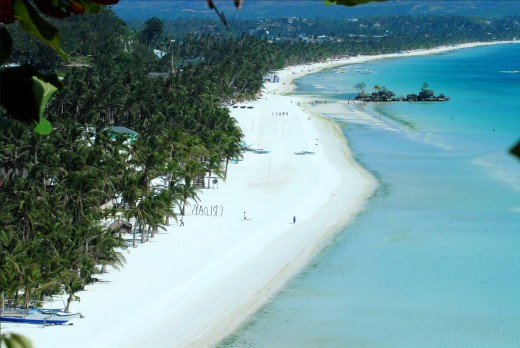 White Beach in Boracay, Philippines is the longest white beach in Asia. It's 4km or 2.5 miles long!