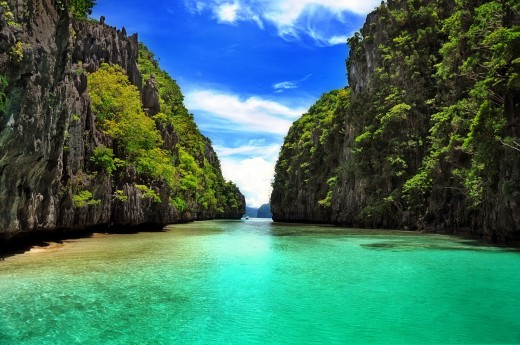 Beautiful Clear Green Water in El Nido, Palawan, Philippines