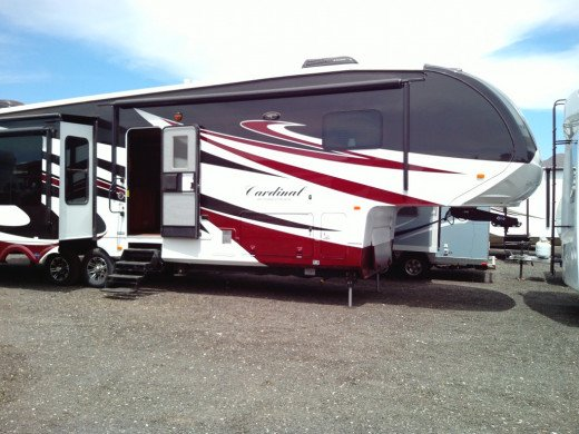 Fifth wheel floorplans are amazingly versatile. Remember to search thoroughly for not only a sturdy, safe rig, but one with the amenities you need.