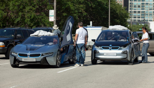 The i8(L) and i3(R)