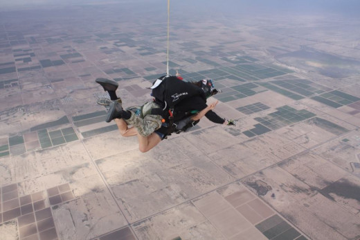 Suzanne Skydiving