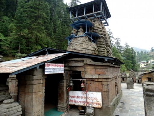 Mahamrityunjoy Shiva temple, Jageswar