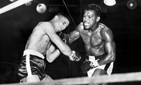 Sugar Ray Robinson avenged a defeat and regained the 160 pound crown by knocking out Randy Turpin in ten rounds.