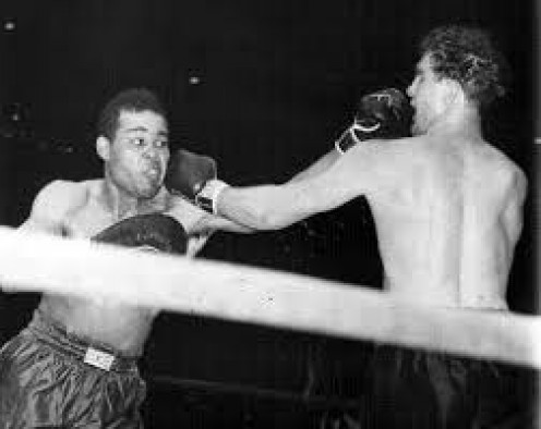 Joe Louis had to come from behind to knockout Billy Conn in their heavyweight title fight.