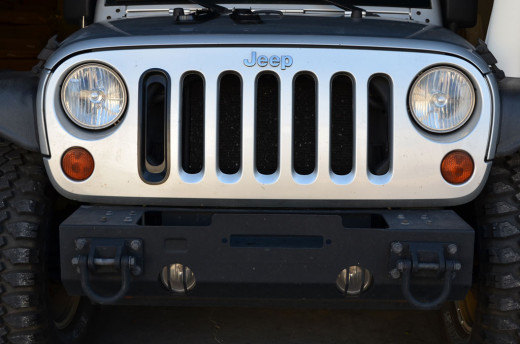 Jeep Wrangler JK with front amber lens parking lamps installed.
