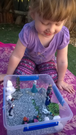 How To Make A Frozen Movie Doll Garden For Inside Play