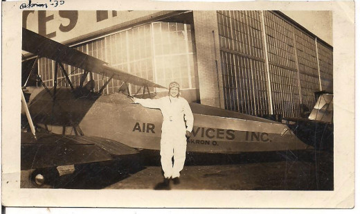 "Jessie with her plane, ""Old Faithful"", in Akron, Ohio, 1930."