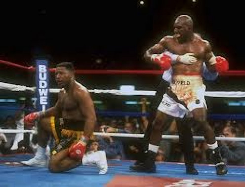 Evander Holyfield came out of retirement and beat Ray Mercer in a war that went ten full rounds.