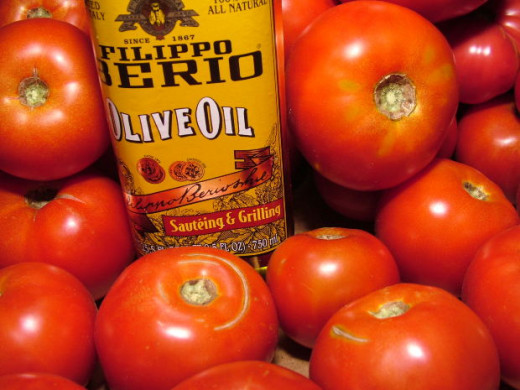 Olive oil and tomatoes, two delicious parts of a heart-healthy Mediterranean diet!