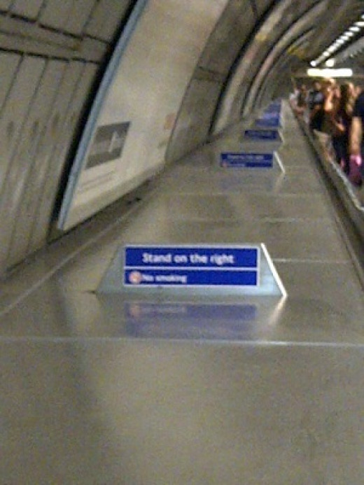 Standing on the right ... on the escalators!