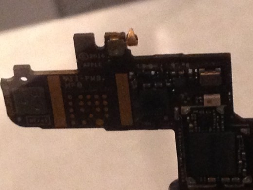CLOSE-UP OF A SOMEWHAT MODERN GPS RECEIVER