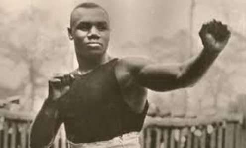 Sam Langford is one of the best middleweight and heavyweight fighters even though he never got a chance to fight for a world title.