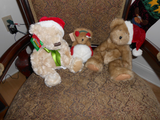 I love using my collection of teddy bears to decorate for Christmas!