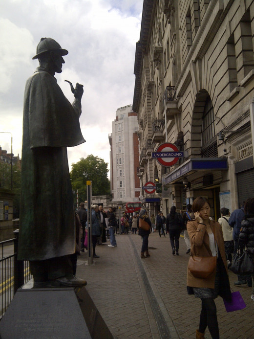 One of the Underground exits at Baker Street - 'home' to the fictional Sherlock Holmes! But he won't be around to track down your belongings if you don't keep an eye on them!