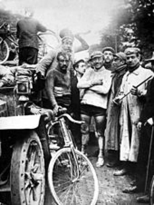 Maurice Garin, winner of the first Tour de France (standing on the right)