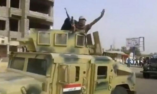 ISIS using US Humvees captured from Iraqi army