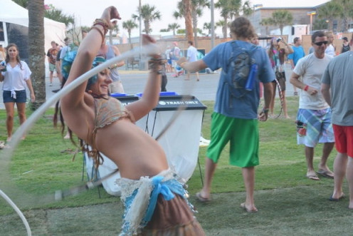 This festival featured music, hoola hoop contest and BBQ cookouts all over the place serving burgers, chicken and hotdogs.