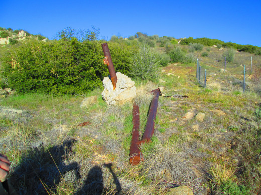 Another photo of the rusted pole.