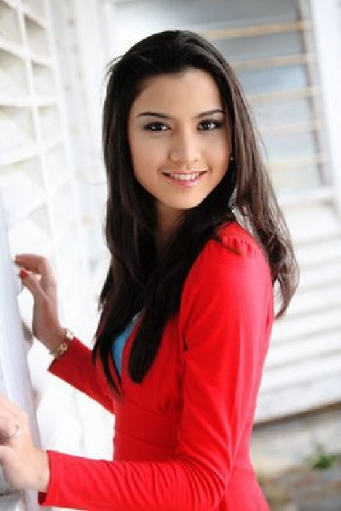 Attractive Malay woman -  Lisa Surihani