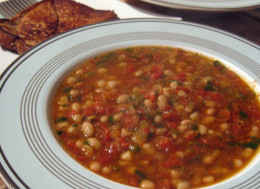 I woke up and wanted some lima bean soup so I decide to make me some and today I want to share with you the soup I made it's a Bake Lima Bean & Ham Hock Soup that is really full of flavor.