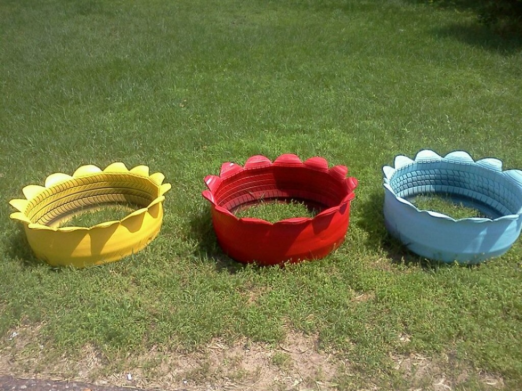Up cycled tire planters hubpages for Using tyres as planters