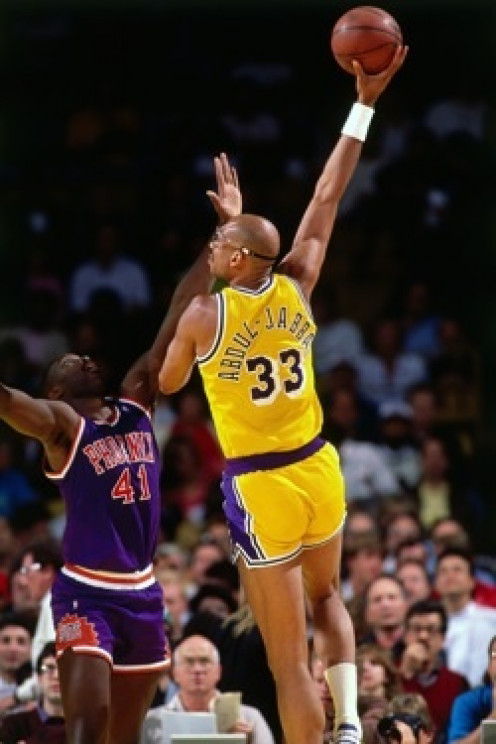 Kareem Abdul Jabbar is one of the best L.A. Lakers to ever play the game. His sky hook is hard to defend against and it's helped win several games for the Lakers.