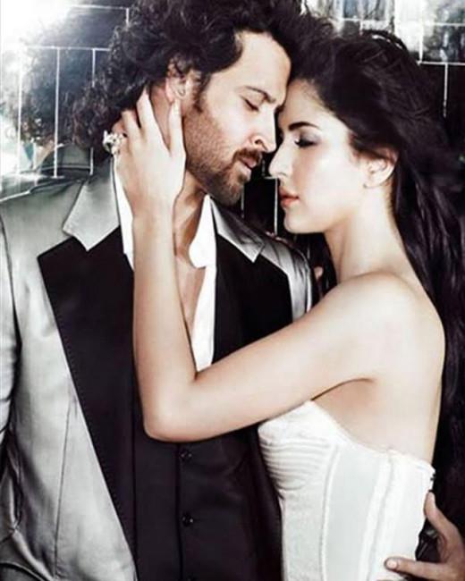 Hrithik Roshan and Katrina Kaif's Bang Bang poster has set several tongues wagging. Watch this video to find out if Hrithik and Katrina kiss in Bang Bang.Visit http://www.biscoot.com/showtym
