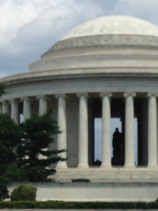 THOMAS JEFFERSON MEMORIAL WITH PRESIDENT JEFFERSON STANDING INSIDE