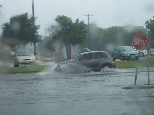 Car in flood waters (CC-BY 3.0)