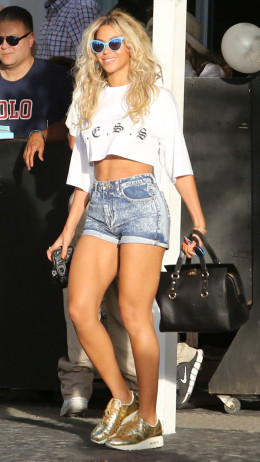 Beyonce 32 years old
