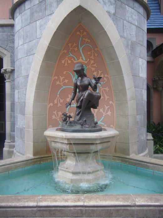 The wishing well just behind Cinderella Castle