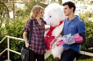 "Taylor Swift and Taylor Lautner in ""Valentine's Day"" the movie"