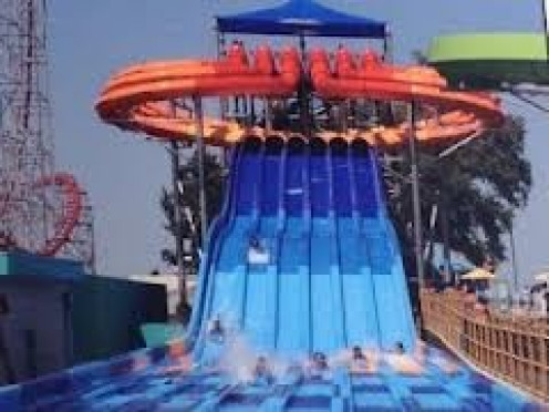 Waterville USA is one of Alabama's premiere waterparks and it has lots of big slides.