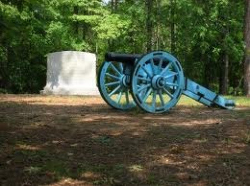 Horseshoe Bend National Military Park recreates The Creek War by using replicas of cannons and other weaponry.