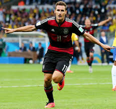 Miroslav Klose celebrates his world cup all time top scorer record goal
