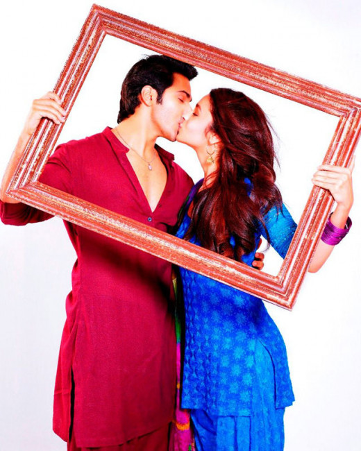 """""""FOR MORE NEWS ON Humpty Sharma Ki Dulhania MOVIE CLICK ON THE IMAGE"""" Get latest Bollywood News and Gossip VISIT BISCOOT SHOWTYM FOR FULL STORY CLICK BELOW : http://www.biscoot.com/showtym"""