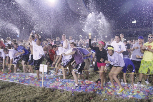 University of Kentucky beat Guinness World Record for largest water balloon fight on 27 August 2011