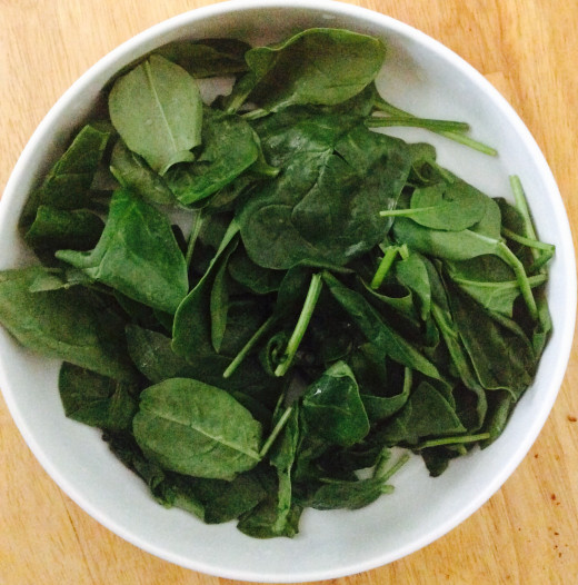 Rinsed baby spinach