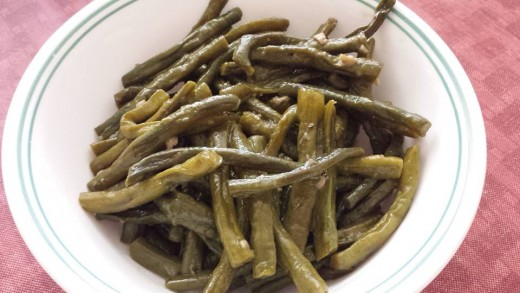 Long beans cooked in vinegar and soy sauce.