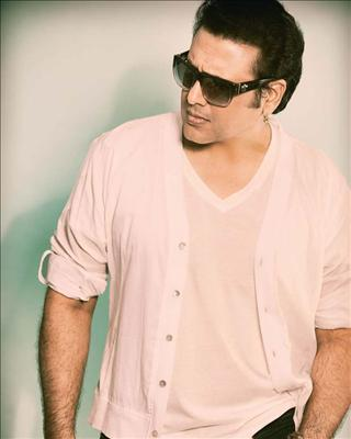 Govinda approached by Shandaar's director Vikas Bahl to play Alia Bhatt's father in the flick.Bollywood on Biscoot Showtym : http://www.biscoot.com/showtym