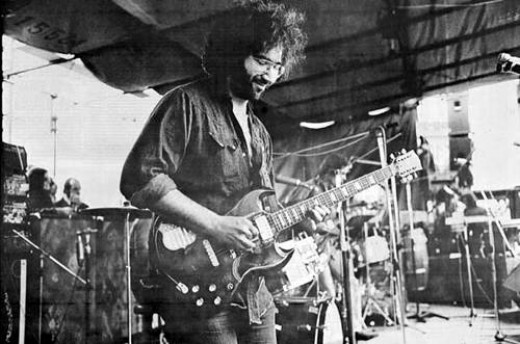 The Grateful Dead amassed a cult following with minimal help from commercial media or advertising.