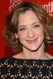 Joan Cusack as Jane Bloomwood