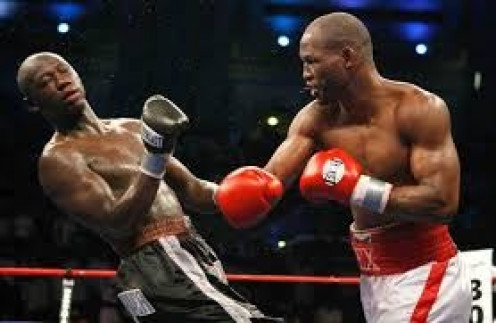 Bernard Hopkins moved from middleweight to light heavyweight and took Antonio Tarver's championship by dominant decision.