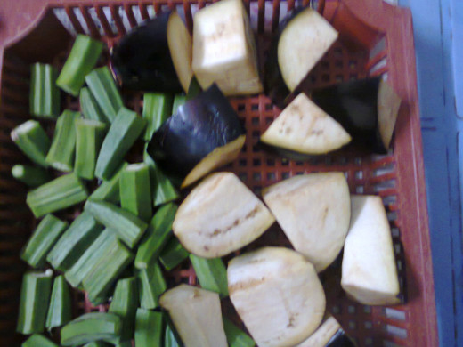 pieces of ladyfingers and brinjal