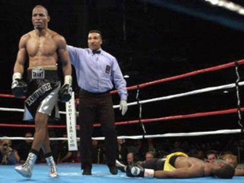 Bernard Hopkins knocked out Antwun Echols in the tenth round of their rematch for the middleweight championship.